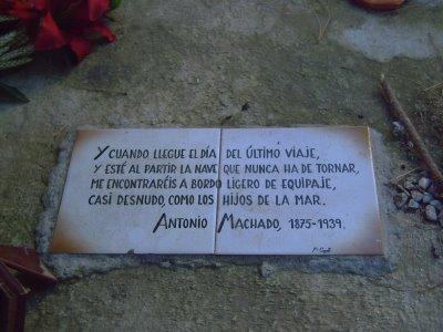 tumba-1-machado