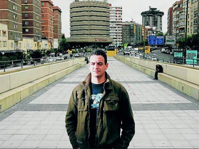 Horacio Pietragalla, hijo de desaparecidos de la dictadura militar argentina, el pasado jueves en la avenida de América de Madrid. GABRIEL PECOT