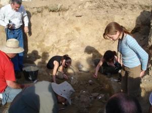 Fosa de Casavieja y trabajos de exhumación 1