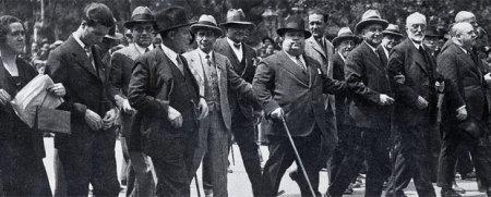Indalecio Prieto, Miguel de Unamuno, Francisco Largo Caballero y Pedro Rico- CORTÉS
