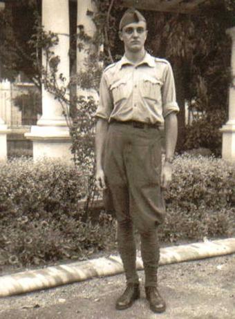 José Luis Sampedro, en Melilla en 1938