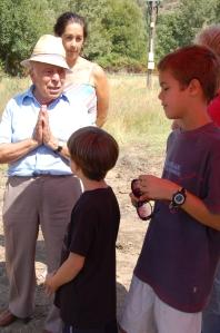 Julian ruega a los niños que nunca olviden la historia de su padre Miguel Sanchez para quenunca se repita la crueldad del asesinato