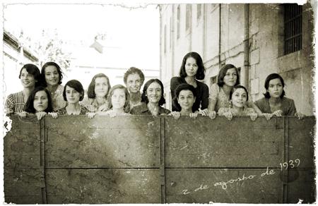 """Fotografía de las actrices que dieron vida a """"Las Trece Rosas"""""""