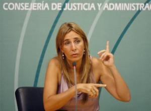 Begoña Álvarez, ayer, en un momento de su comparecencia.- ALEJANDRO RUESGA