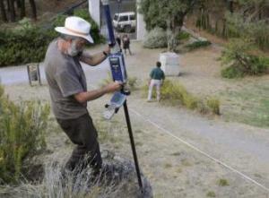 Geofísicos trabajan para determinar el lugar exacto donde puede encontrarse los restos de Federico Garcia Lorca- EFE