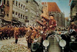 Hitler desfile nazi