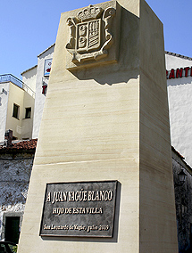 Monolito en recuerdo del general Yagüe.