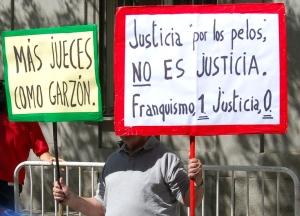 Pancartas en  apoyo a Garzon el 09 09 09