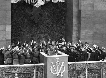 Franco en el primer desfile de la victoria- EFE