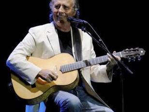 El cantautor J.Manuel Serrat
