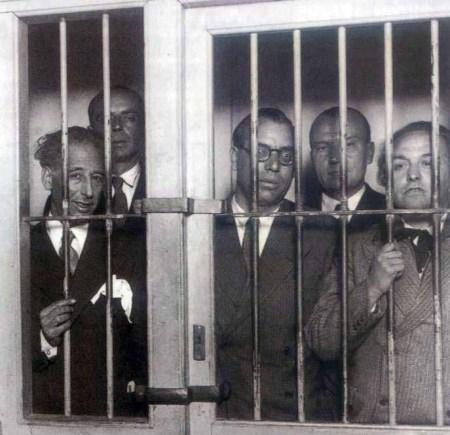 Lluis Companys en la prisión del Puerto de Santamaría (Fot archivo La Memoria Viv@)