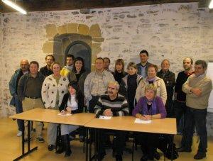 Representantes de colectivos en la presentación de Mutriku Sustraituz.