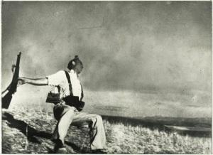 """La fotografía original """"El Miliciano"""" de Robert Capa, se expondrá en la muestra"""