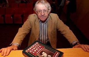 El escritor e hsipanista Ian Gibson