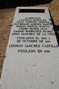 Tumba del cementerio de Casavieja, Ávila donde descansan los restos recuperados después de setenta y tres años y que fueron inhumados con todo el respeto de familiares y amigos