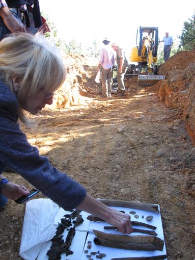 Primeros restos y balas en la fosa de Montes de la Pedraja.2