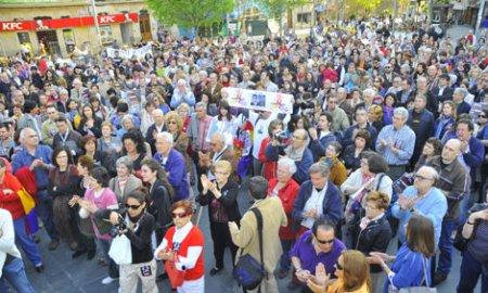 Concentración de apoyo al Juez Baltasar Garzón en Palma de Mallorca organizada por Memòria de Mallorca (Foto El Mundo)