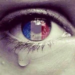 Paris pleure